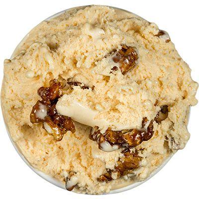 Crème brûlée with caramelized walnuts